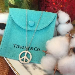 Tiffany &Co Peace ☮️ sign necklace